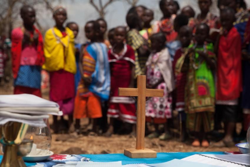 Masai, remote, Kenya, Mass, cross