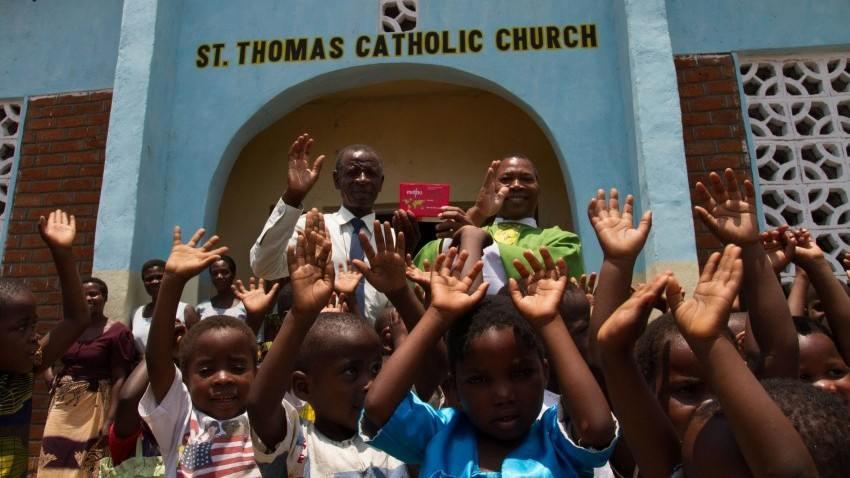 children, Malawi, Fr Henry, St Thomas Catholic Church, Red Box
