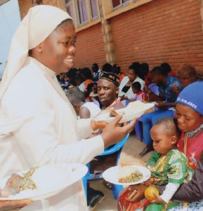 Providing food for IDPs