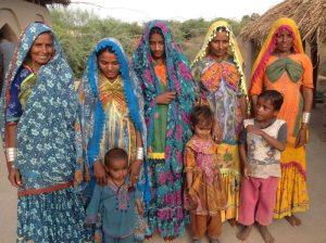 Women and children of the Kutchi Kolhi community