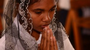 Sri Lankan woman praying